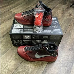 """Nike LeBron 7 VII QS """"Christmas"""" Red, Silver & BLK"""